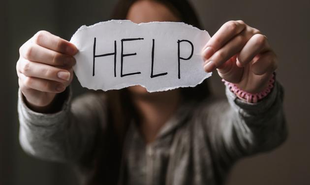 """Ore 18, """"Non sei sola"""": i servizi online per denunciare violenze domestiche"""