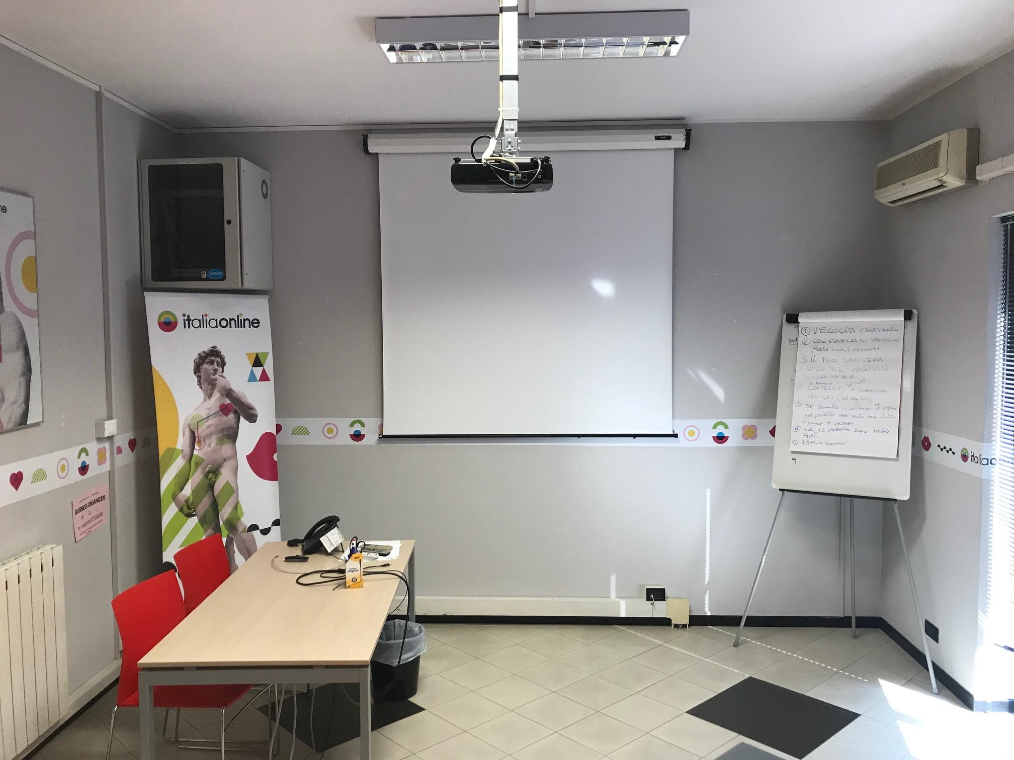 Italiaonline Novara sala riunione 3